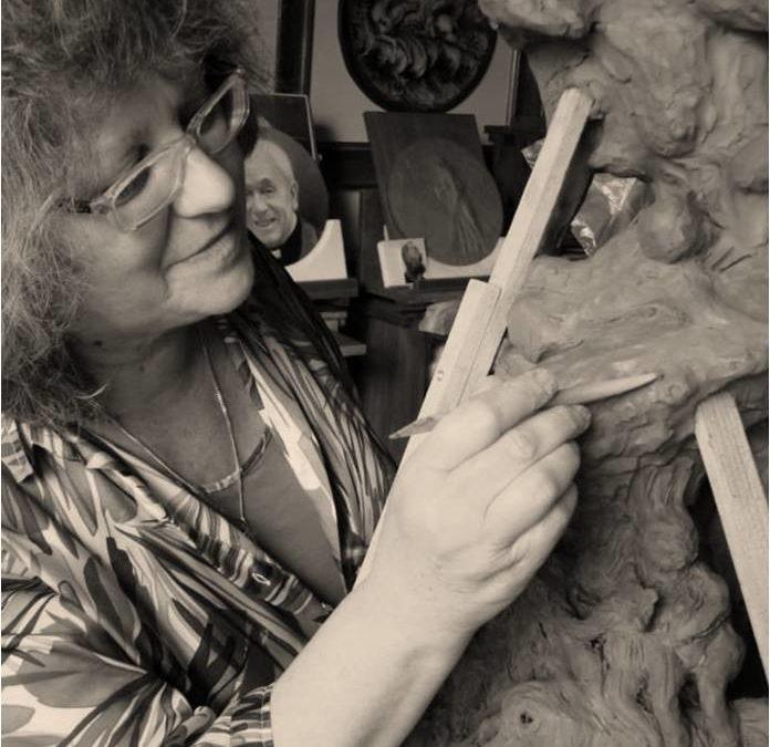 Intervista ad Antonietta Moschi: la scultura come espressione dello sguardo interiore dell'artista